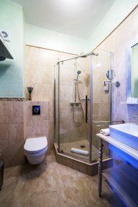 bathroom-160701