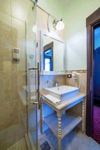bathroom-160702